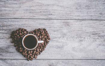 Kávové zrna voní všem, tak proč si je nedopřávat každým dnem?